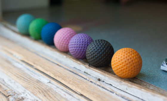 Multi-coloured golf balls