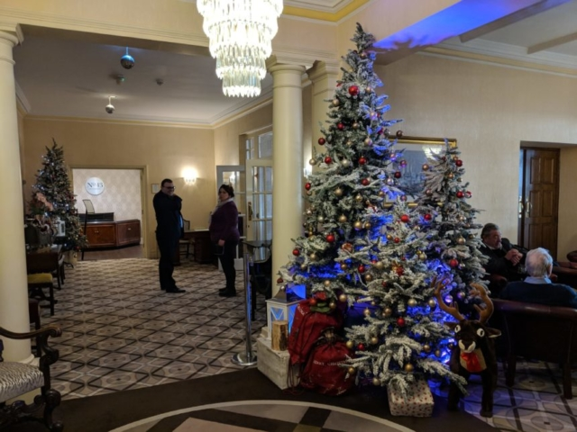 Hotel Miramars Christmas Tree in their Foyer